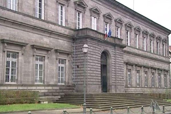 Le palais de justice de Riom où se tient actuellement le procès des accusés du meurtre de Ludovic Maltrait