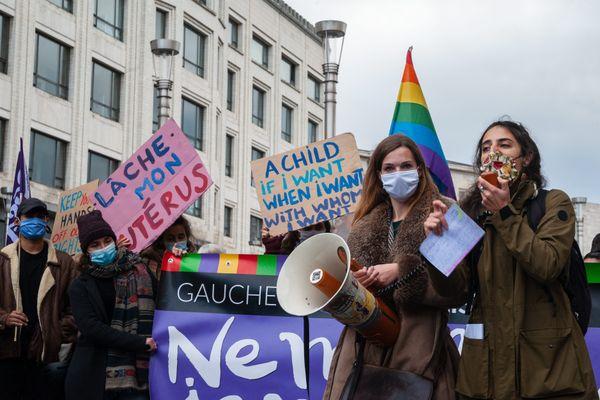 Des militantes pour le droit à l'IVG à Bruxelles, en novembre 2020. Photo d'illustration