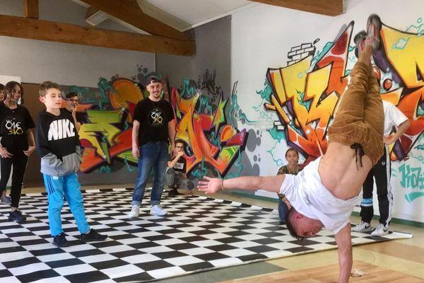 B-Boy Stuart a animé une master class  de breakdance avant la compétition de dimanche à Carcassonne.
