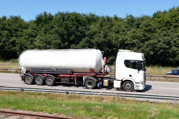 La circulation est bloquée sur l'autoroute A16 au niveau de Wimille.