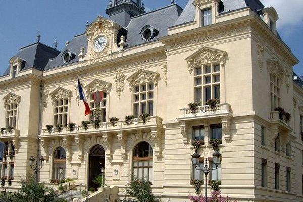 La mairie de Tarbes.