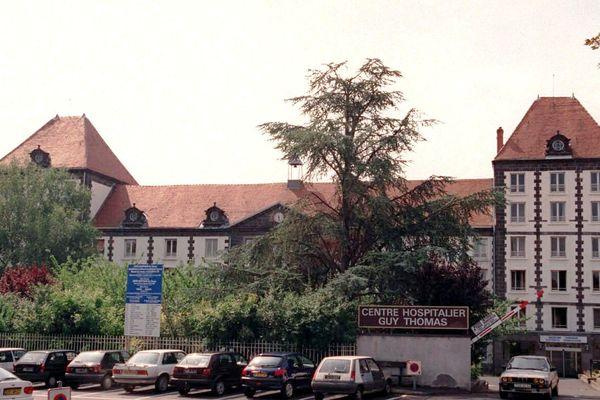 Un patient a violemment agressé six personnes à l'hôpital de Riom (Puy-de-Dôme). Il a été interpellé par la police.