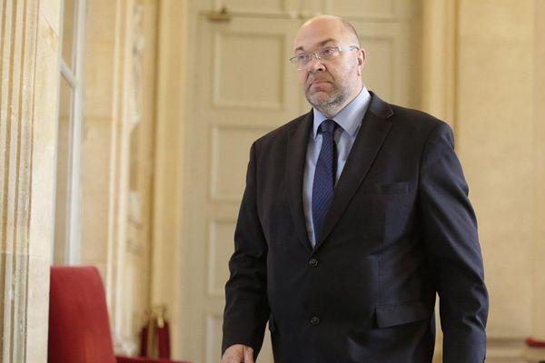 Stéphane Travert, député de la Manche, soutient Emmanuel Macron.