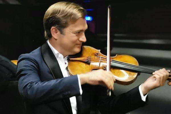 Renaud Capuçon soliste et chef d'orchestre de ce concert exceptionnel