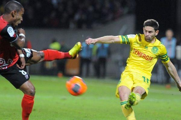 FC Nantes : les canaris s'inclinent à Guimgamp (1 - 0) Moustapha Diallo  et Claudio Beauvue
