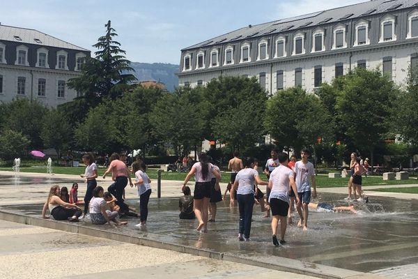 Les Fontaines de la Caserne de Bonne prises d'assaut le 25 juin dernier