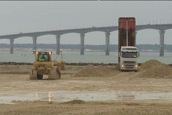 Le centre de traitement des déchets sera installé au pied du pont de l'Île de Ré.