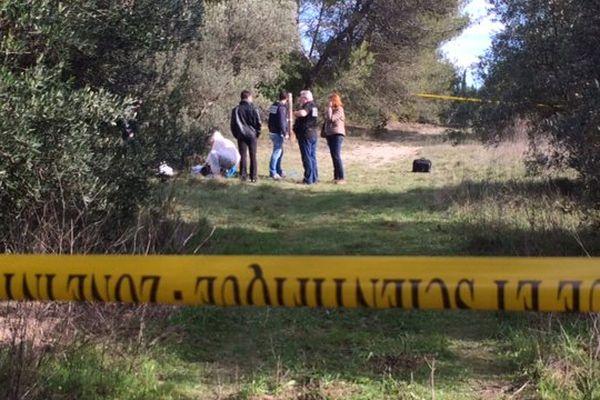 Les enquêteurs au mas de Ponge à Nîmes