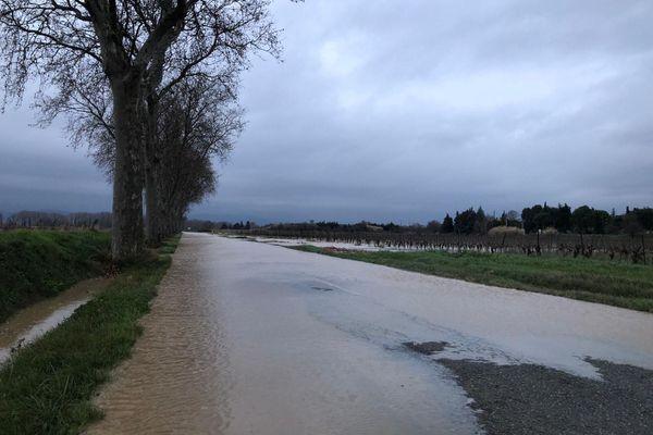 La D610 bloquée à cause de la crue de l'Aude, ce jeudi matin