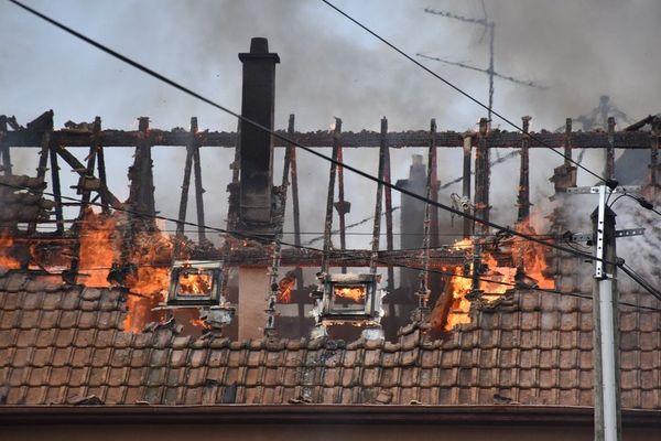 L'incendie a détruit les combles.