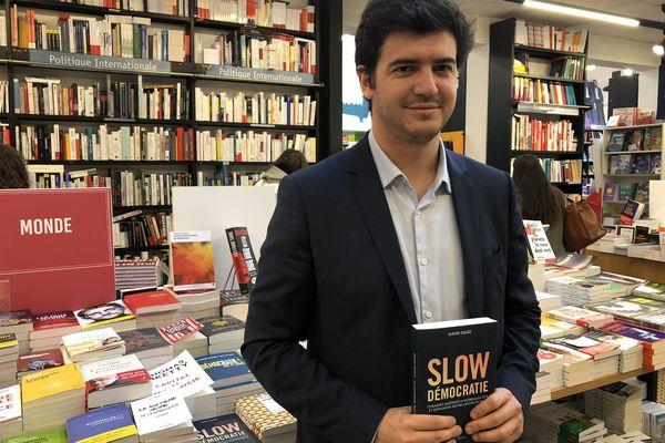 David Djaïz, à la libraire Mollat de Bordeaux en novembre 2019, lors de la parution de son livre Slow Démocratie aux éditions Allary.