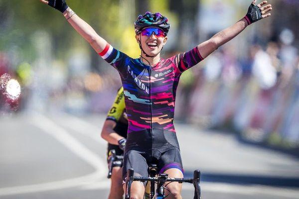 La Polonaise Katarzyna Niewadoma (Canyon) remporte l'Amstel féminine.