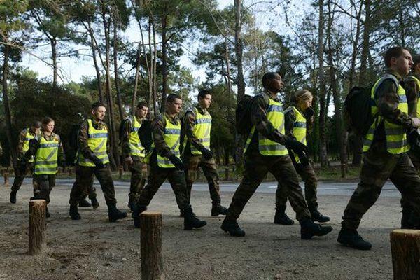 Une centaine d'élèves de l'école de gendarmerie sont venus en renfort à Saint Trojan, le 5 fevrier 2016, pour tenter de retrouver Alexia.