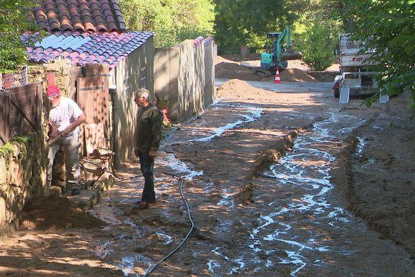 Las Illas (Pyrénées-Orientales) - une rue du village dévastée par une coulée de boue - 23 septembre 2020.
