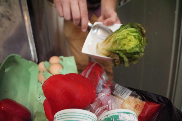 Le gaspillage alimentaire représente 20 kilos de déchets par an et par personne.