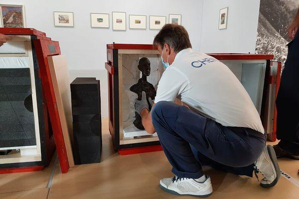 """""""Alberto Giacometti. Une rétrospective. Le réel merveilleux"""", une exposition qui se prépare avec des gants."""