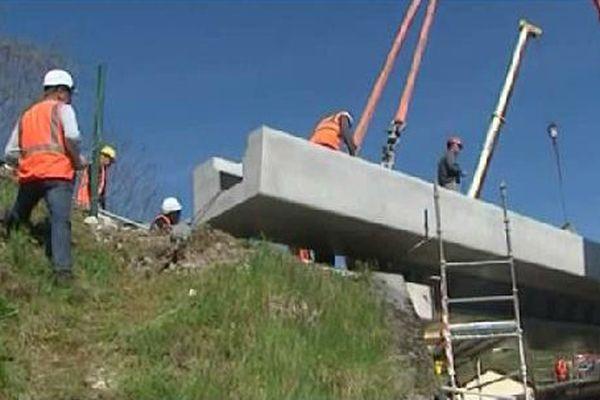Un tablier de 40 tonnes...