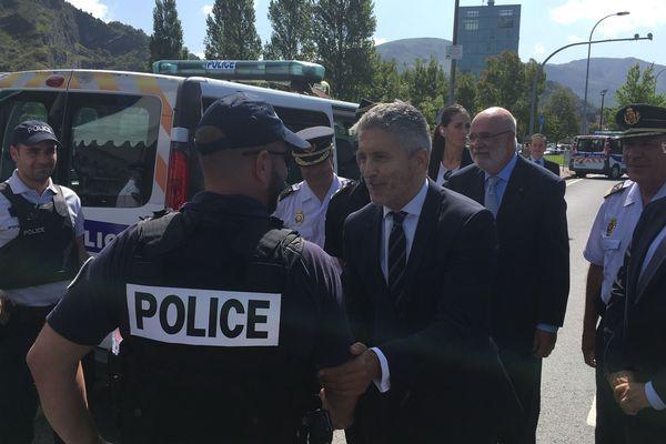 Le ministre de l'intérieur espagnol visite le dispositif de sécurité franco-espagnol