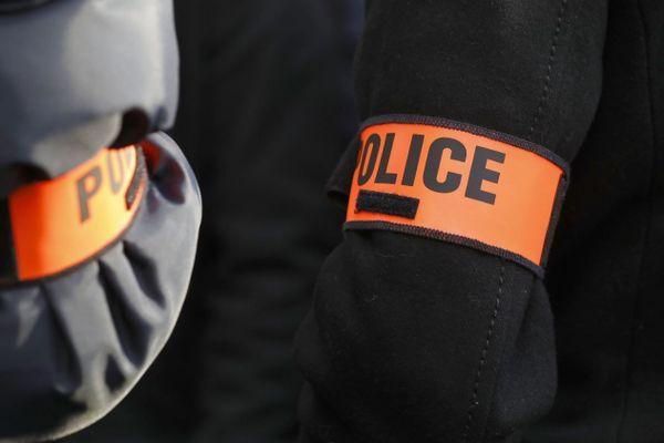 Gradé à la retraite, le policier est un ancien directeur territorial adjoint de la sécurité de proximité du Val-de-Marne (illustration).