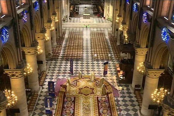 L'entreprise Apex Drone, basée dans la Nièvre, a eu le privilège de filmer l'intérieur de la cathédrale Notre-Dame de Paris avec des drones en 2017.