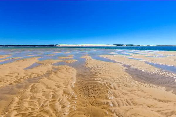 Les grandes marées dévoilent une plaine de sable et d'eau qui inspire le photographe Frédéric Ruault