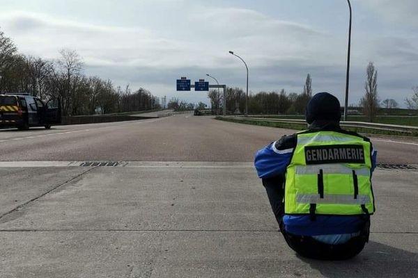 Confinement : quand les gendarmes font un brin d'humour sur leurs pages Facebook
