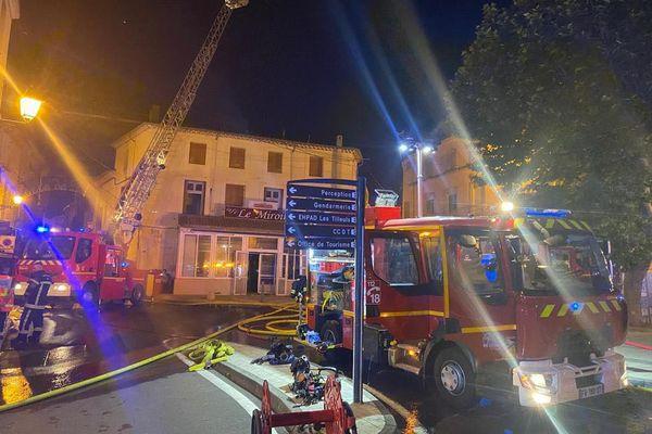 Un violent feu d'habitation s'est déclaré vers 20h jeudi 24 juin dans la commune de Murviel lès Béziers, dans l'Hérault.