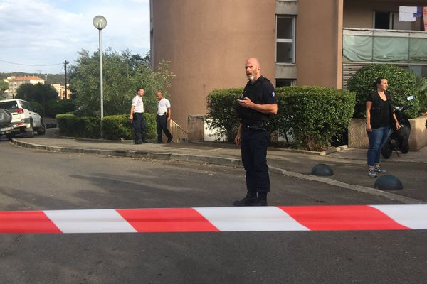 Un homme blessé par balles devant la Résidence Petra di Mare à Ajaccio
