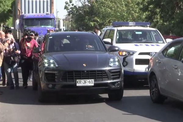 Nicolas Zepeda est reparti en voiture de luxe du tribunal chilien.
