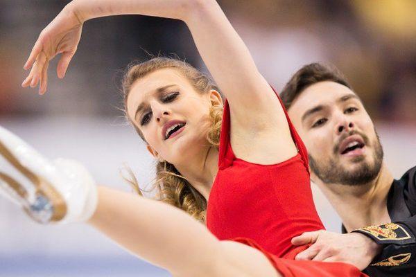 Les Clermontois Gabriella Papadakis et Guillaume Cizeron sont en tête des championnats du monde 2016 de danse sur glace à l'issue du programme court.