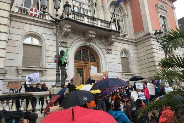 """Manifestation """"Marchons Enfants"""" à Chambéry"""