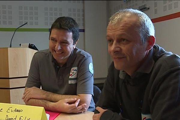 Stéphane Evanno et David Fily, adjoint et chef d'équipe chez Linpac Packaging, se sont chargés du recrutement.