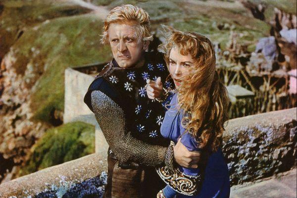 """Kirk Douglas et Janet Leigh dans le film """"The Vikings"""" (1958) de Richard Fleischer"""