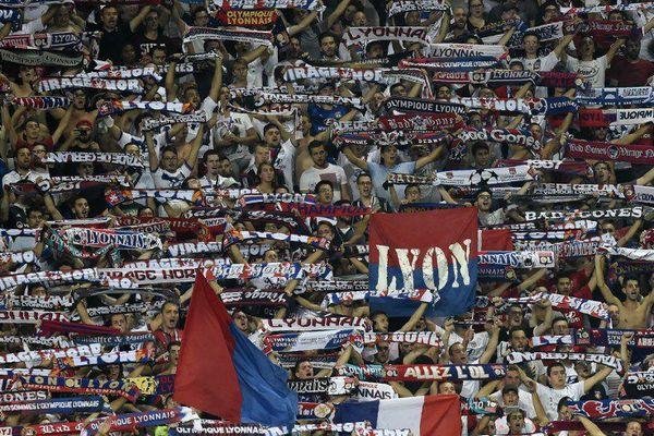 Les supporters de Lyon pendant une rencontre de la ligue des champions en septembre 2016
