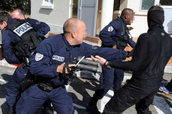 Exercice émeutes urbaines en mode quasi-réel