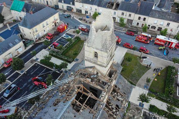 Le clocher de Saint-Nicolas de Bourgueuil