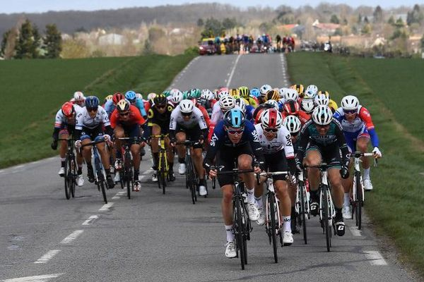 La 1ère étape du Paris-Nice s'est déroulée ce dimanche sur une boucle de 138,5 km autour Saint-Germain-en-Laye.