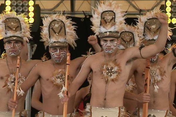 """Le festival de danse folklorique """"Rythmes et Couleurs"""" de Valentigney avait invité des groupes du Chili, d'Indonésie, d'Egypte, du Portugal et de Lettonie"""
