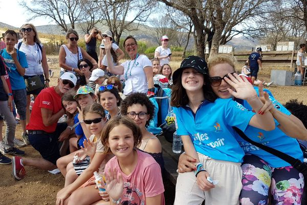 Cette année, la 10e édition des voiles de l'espoir se déroule en Corse. 80 enfants atteints d'un cancer passent une semaine sur l'île et multiplient les activités.