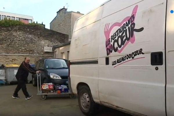 Capture d'écran du reportage sur les Restos du coeur de Cherbourg sur France 3 Normandie.