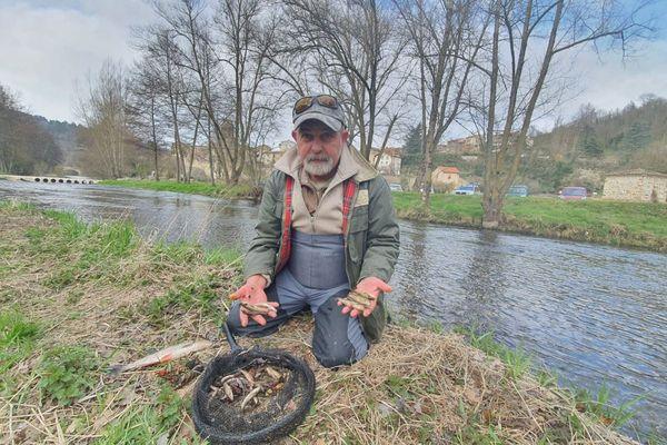 Après la découverte de la pollution de la Sénouire, les pêcheurs sont désemparés.