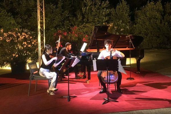 31/07/17 - Le trio Les Esprits au festival des Nuits du Piano d'Erbalunga. Adam Laloum au piano, Mi-sa Yang au violon et Victor Julien-Laferrière au violoncelle