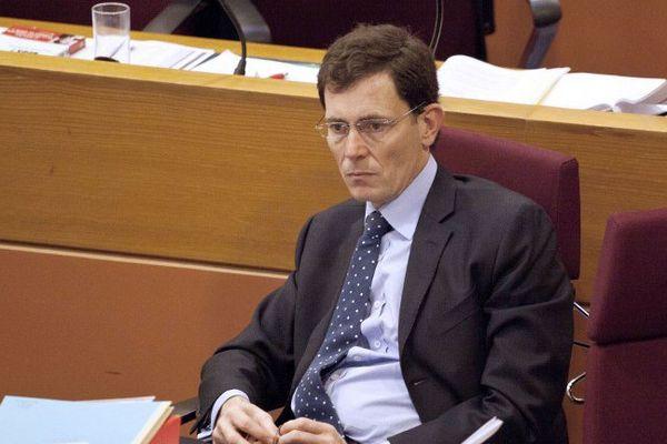 Laurent Lafon, maire UDI de Vincennes, se défend de tout abus de la loi