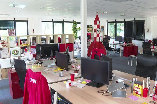 Dans les entreprises, certains salariés préfèrent venir au bureau, d'autres ont adopté le télétravail.