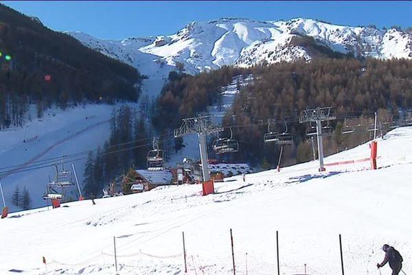 Une belle neige, et une fin d'année qui s'annonce très fréquentée à Auron.