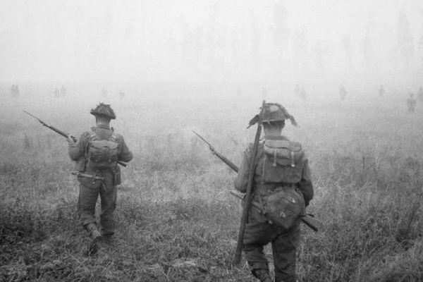 Des Ecossais de la 15ème division lors de l'opération Epsom