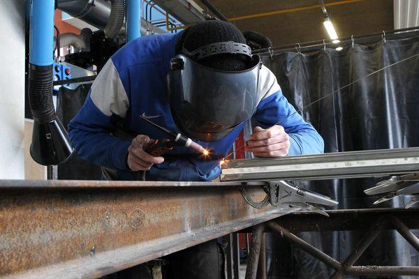 Il y a de fortes disparités entre les départements de la région concernant la création d'entreprises dans l'artisanat.