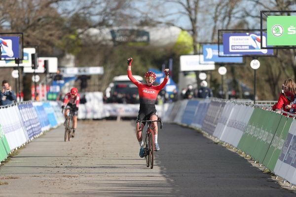 Amandine Fouquenet victorieuse des championnats de France de cyclo-cross