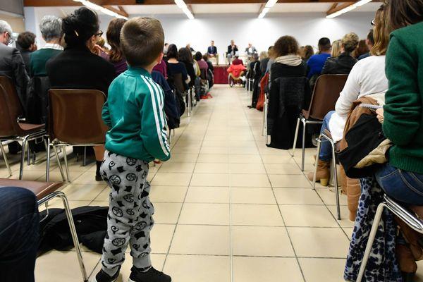 Réunion publique à Sainte-Pazanne sur les 13 cas de cancers pédiatriques, le 4 avril 2019