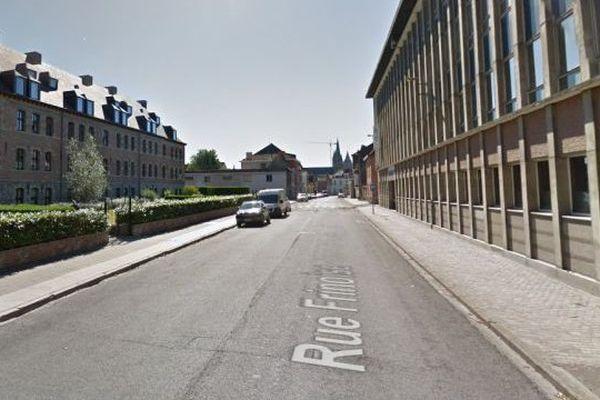 La tentative d'enlèvement s'est déroulée dans cette rue du centre-ville de Tournai.